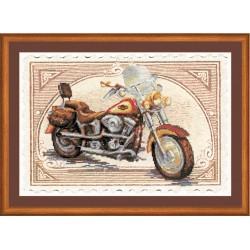 """RIOLIS: Siuvinėjimo rinkinys su ant medžiagos atspaustu piešiniu """"Harley Davidson"""" 0032 PT (38x26 cm)"""