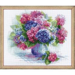 Hydrangea cross stitch kit by RIOLIS Ref. no.: 1696